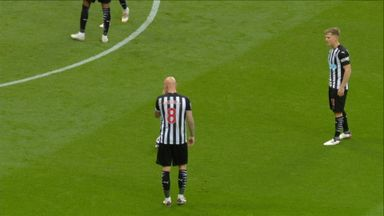 Shelvey free-kick hits the crossbar (35)