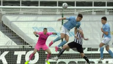 Ferran Torres scores amazing backheel flick!