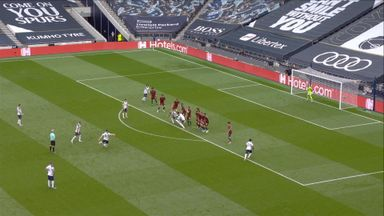 Patricio saves Bale free-kick (21)