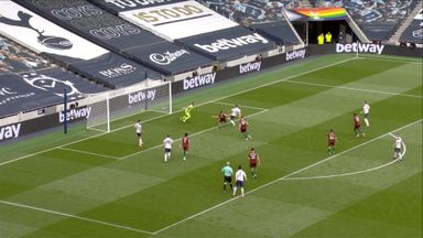 Hojbjerg doubles Spurs' lead (62)