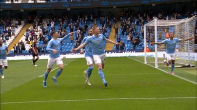 De Bruyne gives City the lead! (11)