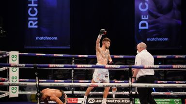 Cunningham shocks Yafai