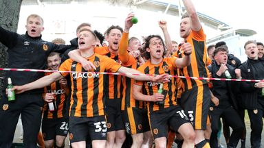 Hull celebrate L1 title with fans