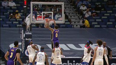 Kuzma's Kobe-esque dunk!