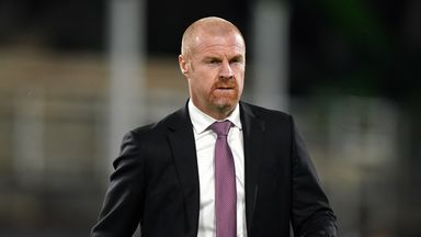 Dyche agrees new deal with Burnley