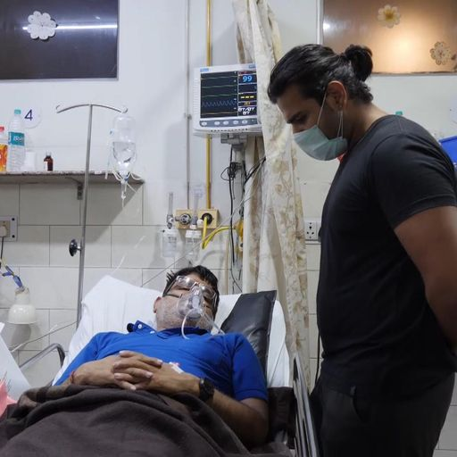 Doctors scramble for oxygen supplies as India's COVID crisis worsens