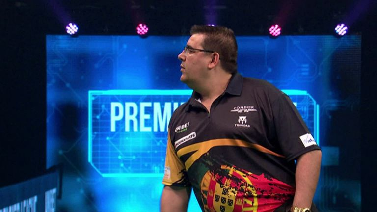 Amazing Jose de Sousa as he comes out 120 (and Wayne Mardle) with three double top darts.