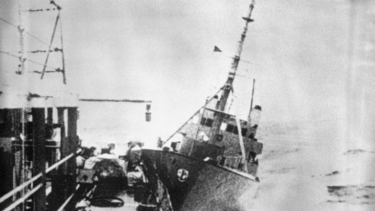 "A view of the collision between the Royal Navy frigate and the Icelandic gunboat ""Thor"""