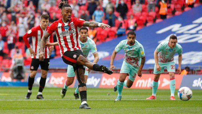 Ivan Toney gave Brentford the lead with a penalty after 10 minutes