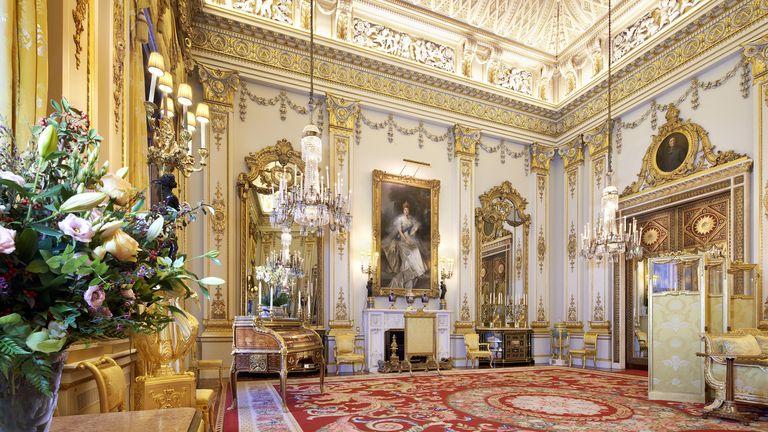 اتاق نقاشی سفید در کاخ باکینگهام