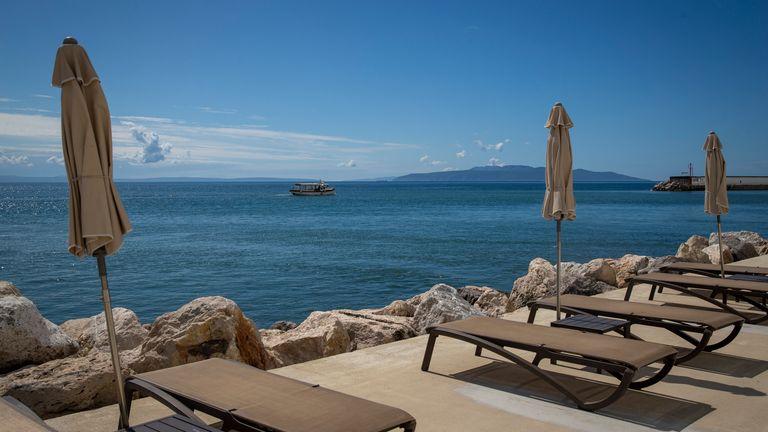 In der Region Istrien an der kroatischen Küste gibt es kaum COVID-19-Beschränkungen.  AP Bild