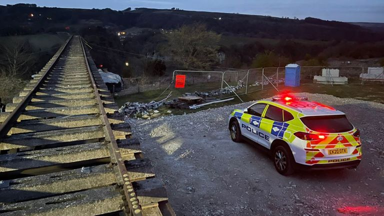Police found no sign of the base jumpers (Pic: @DalesResponse)