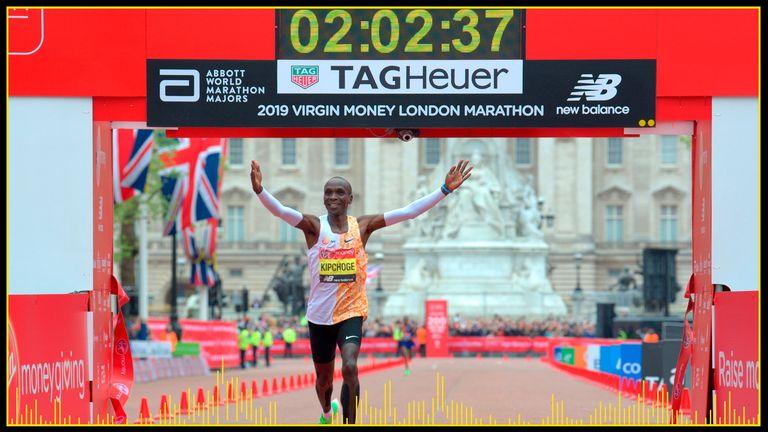 Eliud Kipchoge celebrates after winning the London Marathon in 2019