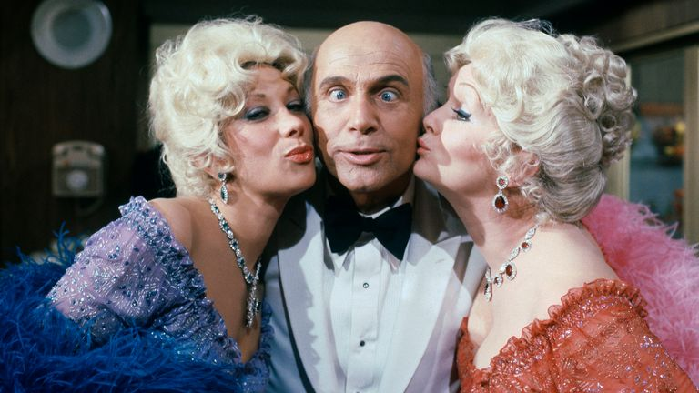 Gavin MacLeod with actors Debbie Reynolds (right) and Marilyn Michaels who were specials guest starts on The Love Boat