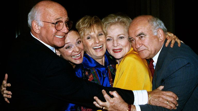 Former cast members of the Mary Tyler More Show reunited in 1992. (From left) Gavin MacLeod, Valerie Harper, Cloris Leachman, Betty White and Ed Asner. Pic AP