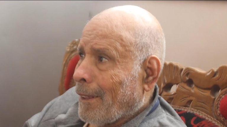 پدر مسن محمد توسط پنجره و یخچال مورد اصابت قرار گرفت