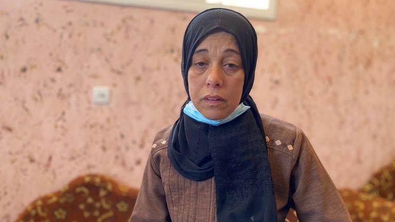 دینا آسایالی که دخترش دیما را در یک انفجار در درگیری های اسرائیل و غزه از دست داد.  عکس: تیم مارک استون
