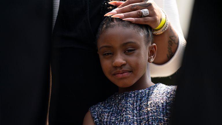 جیانا فلوید یک سال پس از قتل پدرش با خانواده اش به کاخ سفید رفت.  عکس: AP