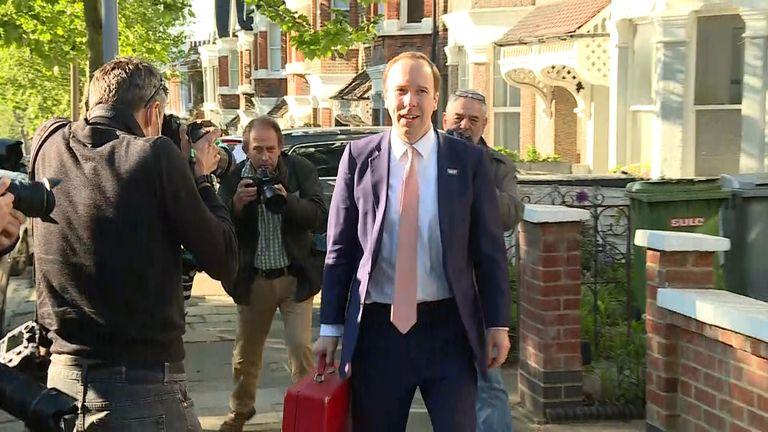 Le secrétaire à la Santé a déclaré qu'il répondrait aux questions sur Dominic Cummings '  allégations plus tard, à la Chambre des communes.