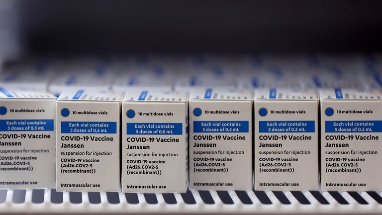 11 May 2021, Saxony-Anhalt, Irxleben: Cartons of Corona vaccine doses from the US pharmaceutical company Johnson & Johnson stand in a transport box. Photo by: Ronny Hartmann/picture-alliance/dpa/AP Images