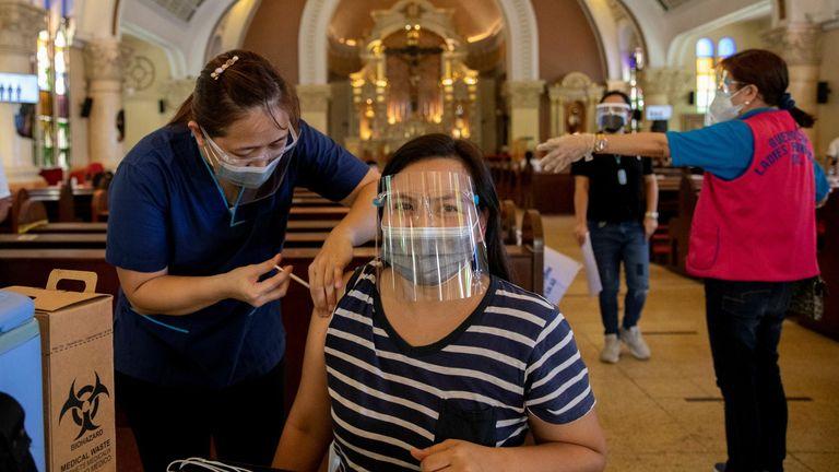 مقدار بسیار کمی از فیلیپین & # 39؛  واکسینه شده است