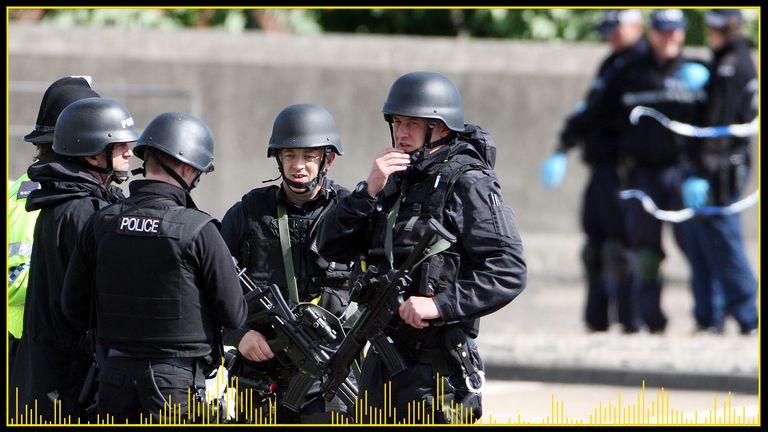 افسران مسلح به سختی از سراسر کشور به شکار خندق رائول کمک کردند