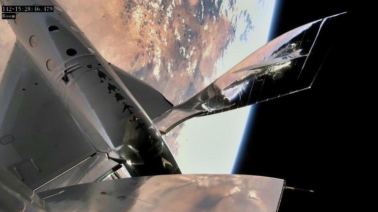 وصلت السفينة الصاروخية Virgin Galactic إلى حافة الفضاء