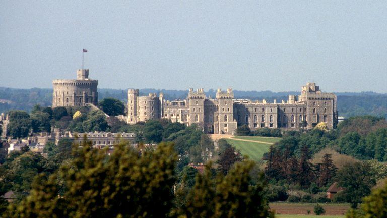 El castillo de Windsor es otra de las residencias que puede abrirse más de lo que realmente es