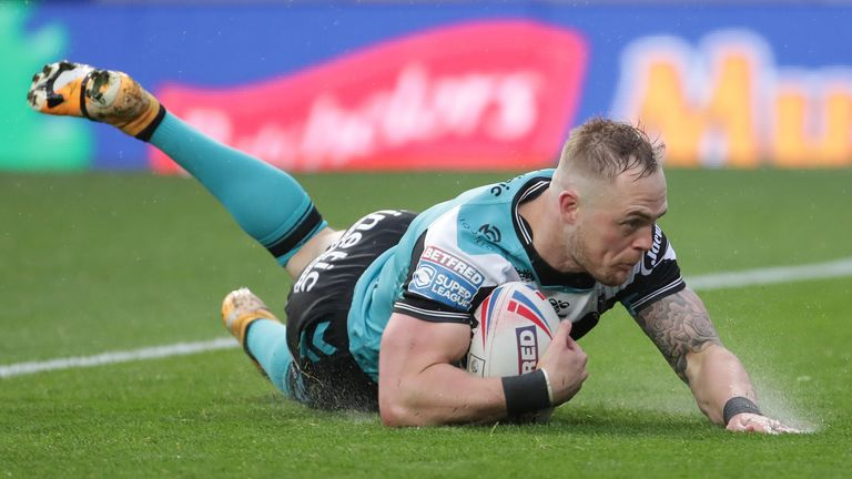 Highlights as Hull FC got back to winning ways in Super League with a hard-fought victory over Leeds Rhinos.