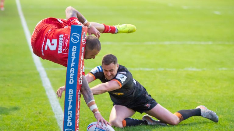 Highlights from the Betfred Super League clash between Castleford Tigers and Hull KR.