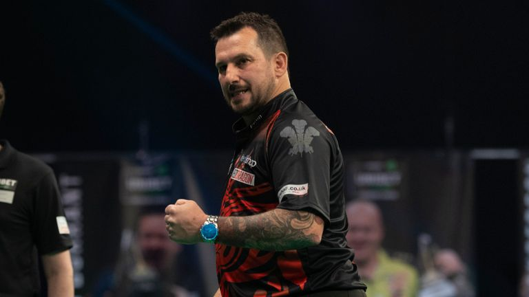 Jonny Clayton produced this special finish during his game against James Wade