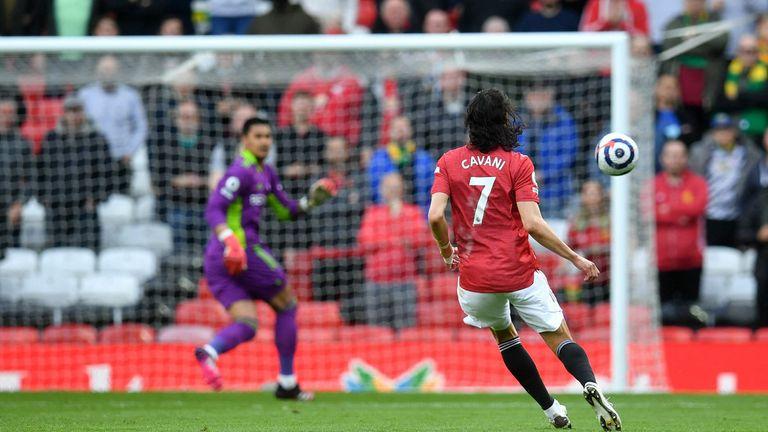 Edinson Cavani scores a stunning goal against Fulham