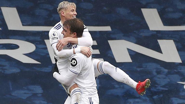 Patrick Bamford celebrates with Ezgjan Alioski after putting Leeds 2-1 up