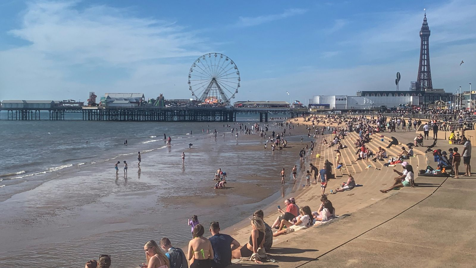 Mini-heatwave could bring hottest day of the year in England so far with highs of 32C