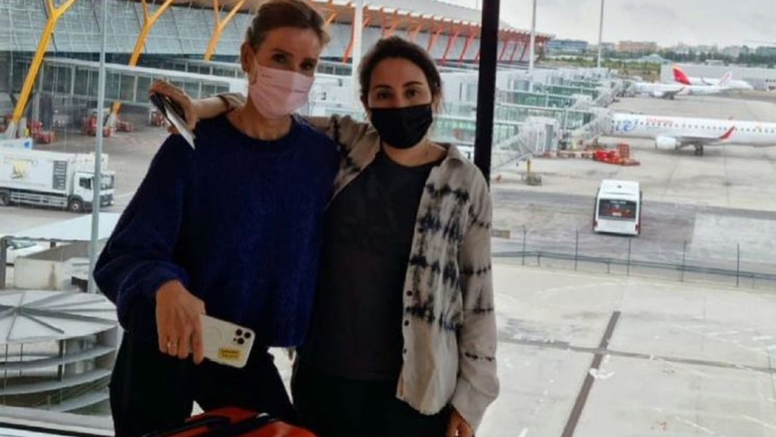 Princess Latifa: New photo of Dubai royal wearing face mask in Madrid airport posted online