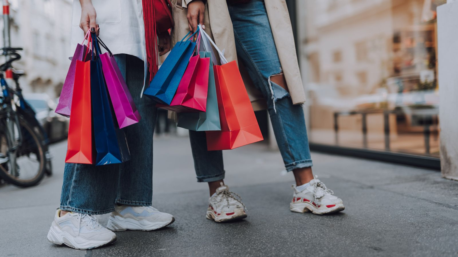 Retail sales enjoy best quarterly growth in more than a quarter of a century