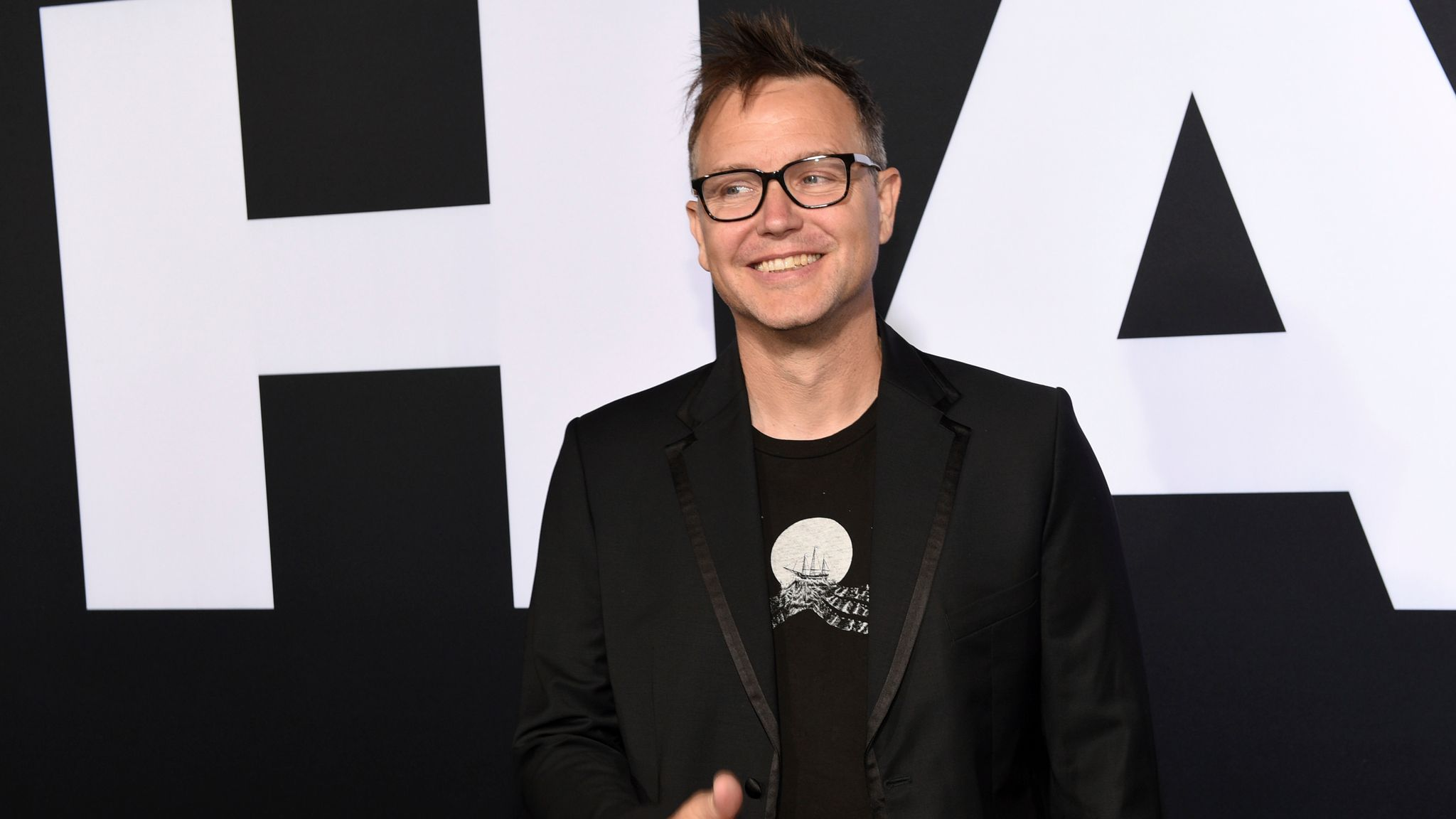 Blink-182 bassist Mark Hoppus feeling 'blessed' after revealing he is now  cancer free | Ents & Arts News