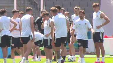 No players missing from Wales training