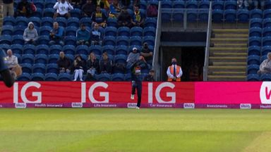 Hasaranga gets crucial wicket of Roy