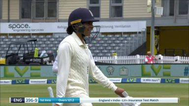 Shrubsole bowled to end innings