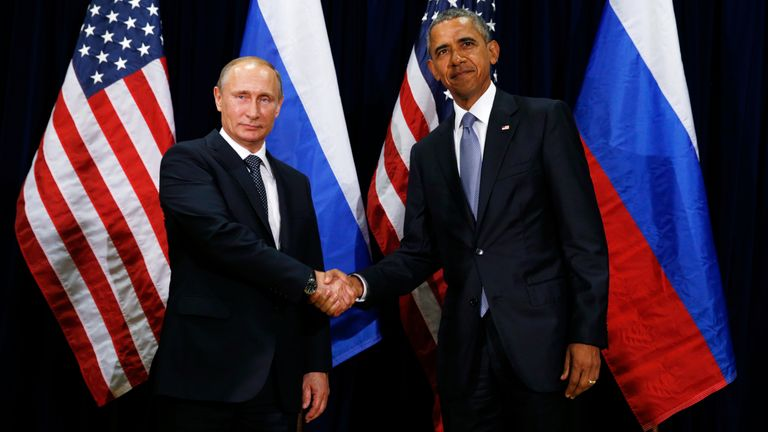 Barack Obama and Mr Putin shook hands at the UN in New York in 2015