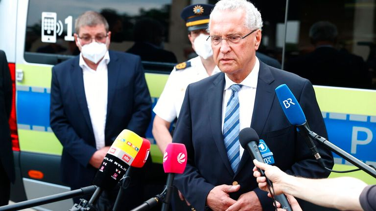 Bayerns innenriksminister Joachim Herman sa at den mistenkte var kjent for politiet.