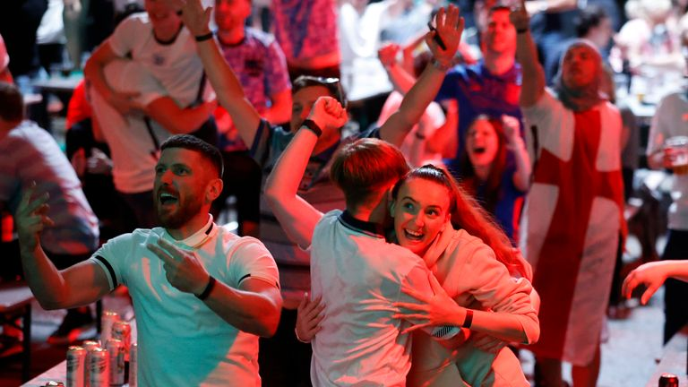 England fans will hope for a similar performance on Saturday, as England make it through to the quarter-finals