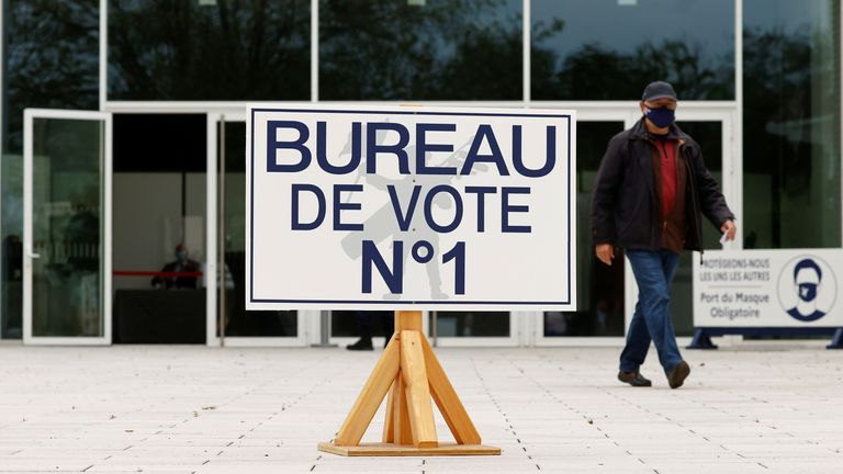 Polls opened in the first round of voting on Sunday morning