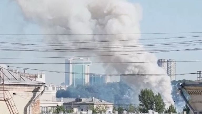 Blaze breaks out at fireworks storage unit in Moscow