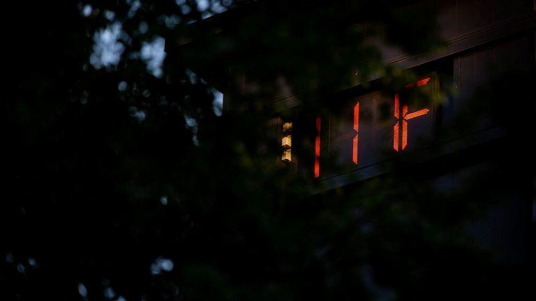 Un termometro segna 111F a Portland, Oregon