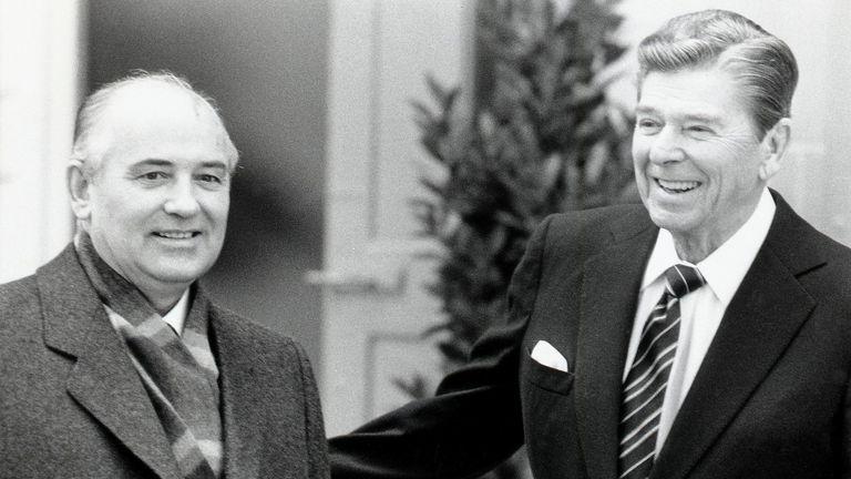 Mikhail Gorbachev met Ronald Reagan in Geneva in 1985