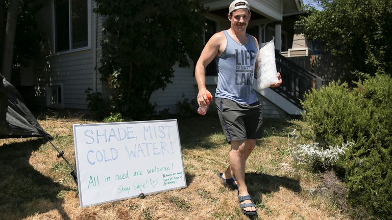 A Seattle resident with his homemade cooling system