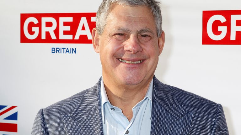 Sir Cameron Mackintosh says the government's inaction risks destroying the theatre industry