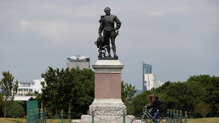 Sir Francis Drake statue in Plymouth